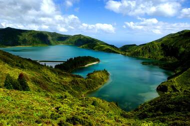 Incursiune într-un paradis insular