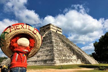 Pe urmele aztecilor şi mayaşilor