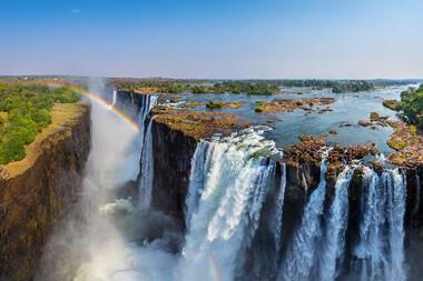 Prezentul sud-african, safari şi escapadă la Cascada Victoria