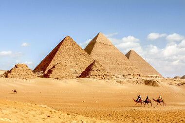 Călătorie deluxe în lumea faraonilor și a piramidelor