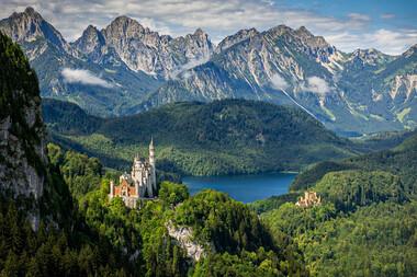 Imperiul Alpilor şi al Habsburgilor